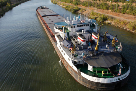 IWAI aims 120MT inland waterways cargo movement by 2023
