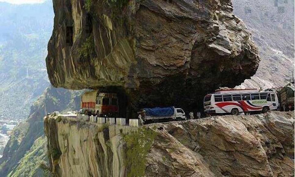 Megha Engineering & Infrastructure, Zojila Pass, Ladakh union territories, Jammu and Kashmir, National Highways and Infrastructure Development Corporation, NHIDCL, Larsen & Toubro, Hyderabad, IRCON International, Srinagar-Kargil-Leh National Highway, Road Transport and Highways Minister, Nitin Gadkari, Prime Minister Narendra Modi, Asia's longest bi-directional tunnel, IL&FS Transportation, Sonmarg-Kargil, Himalayan region, IRB Infrastructure, Parallel Escape (Egress), Baltal and Minamarg