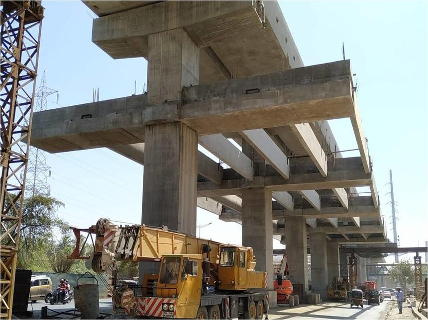 Work in progress on Line 7 of the Mumbai Metro.