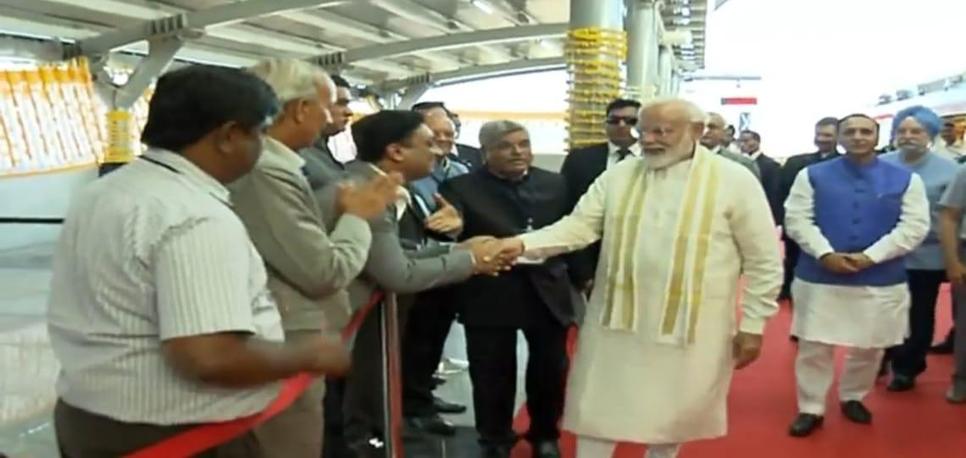 Nalin Gupta, ED, J Kumar Infraprojects, with Prime Minister Narendra Modi.