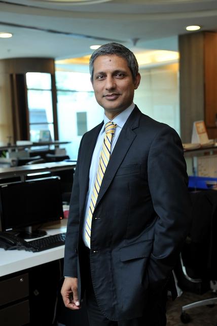 Bharat Dhuppar, Omkar Realtors, Lodha Group, Oberoi Hotels, Taj Group, Babulal Varma, Mumbai