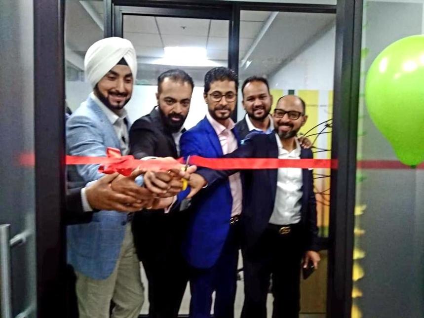Realistic Realtors, Noida, Commercial office