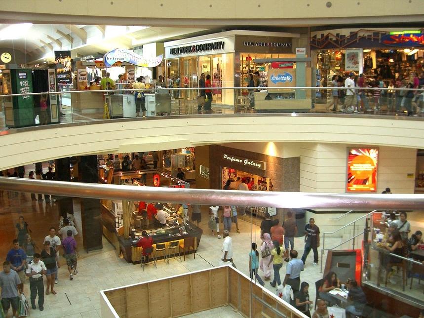 Sandeep Runwal, Mall, Warburg Pincus, Retail investment, Runwal Group, Ghatkopar, R-Mall, Sanjay Dube, Anish Saraf, Red Star Macalline, Vincom Retail, NWP Retail