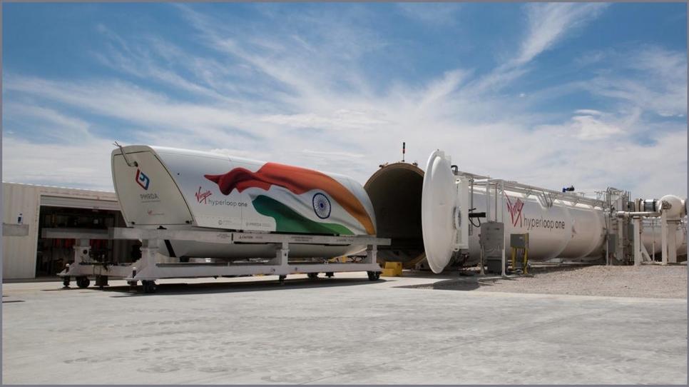 DP World, Hyperloop, Mumbai, Pune, Maharashta, Virgin Hyperloop, Transportation, Devendra Fadnavis, Mumbai-Pune hyperloop project, Sultan Ahmed bin Sulayem, Dubai, Jay Walder, Virgin Hyperloop One, Missouri, Texas, Colorado, UAE