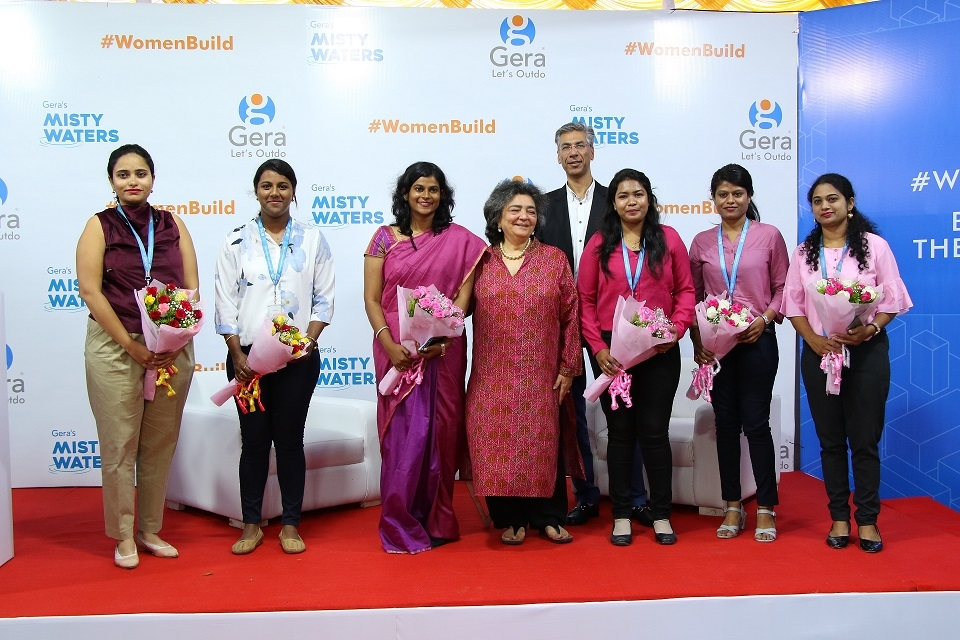 L-R: Mughda Rasal, Alisha Mascrehenas, Anny Mary Alex, Zia Mody, Rohit Gera, Divya Jain, Supriya Survase, Shrutika Ware.