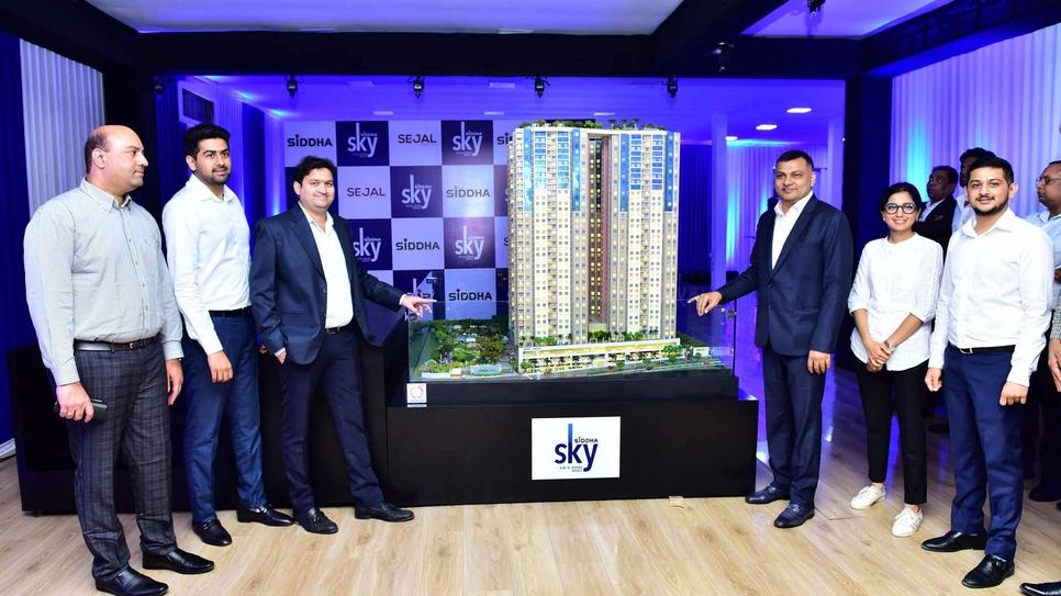 Anant Reddy, Principle Associate, JW Consultants; Samyak Jain, director, Siddha Group; Dhirraj Gada, director, Sejal Group; and Sanjay Jain, group MD, Siddha Group, at the unveiling of Siddha Sky 3D scale model.