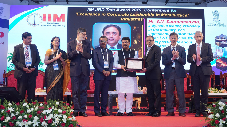 L&T CEO & MD SN Subrahmanyan (third from right) receiving IIM-JRD Tata Award from Honble Union Minister of Steel Shri Dharmendra Pradhan