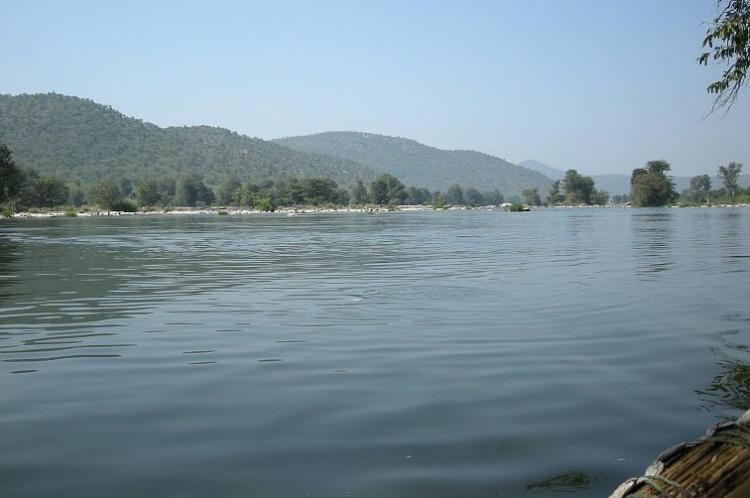 Central government, Rivers, Godavari river, Krishna river, Kaveri river, Godavari (Inchampalli/Janampet)-Krishna (Nagarjunasagar), Krishna (Nagarjunasagar)-Pennar (Somasila), Pennar (Somasila)-Kaveri (Grand Anicut), Nagarjunsagar dam, Kaveri basins, National Water Development Agency, Andhra Pradesh, Telangana, Karnataka, Tamil Nadu