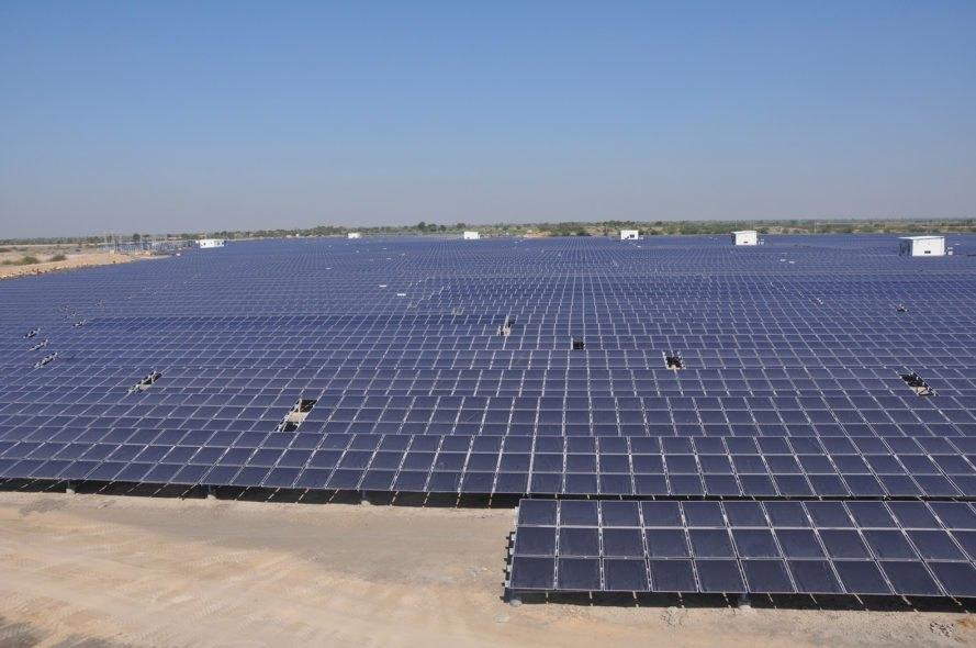 Ultra-mega renewable energy parks, Gujarat, Rajasthan, World's largest renewable energy investment programme, Solar wind and wind hybrid plants, Defence Ministry, Khavada, Jaisalmer, Power Ministry, Battery storage manufacturing plan