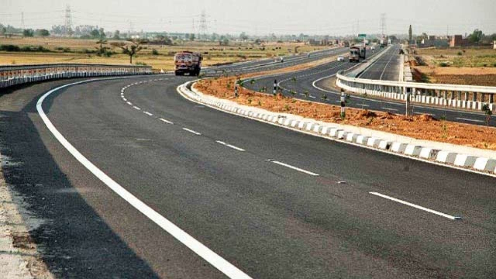 National Highways Authority of India, NHAI, Lockdown, Road stretches, Road users safety, Kazhakoottam flyover, Kerala, Kazhakoottam–Karode national highway, Piling work, Contract labors, Migrant labourers, Road maintenance