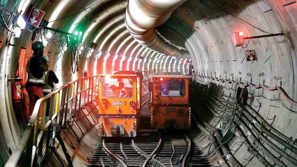 MMRDA, Mumbai Metro Rail Project, Mumbai Metropolitan Region Development Authority, Elevated viaduct, MTNL Metro, SG Barve Marg, Kurla East, EEH, Chembur, DN Nagar