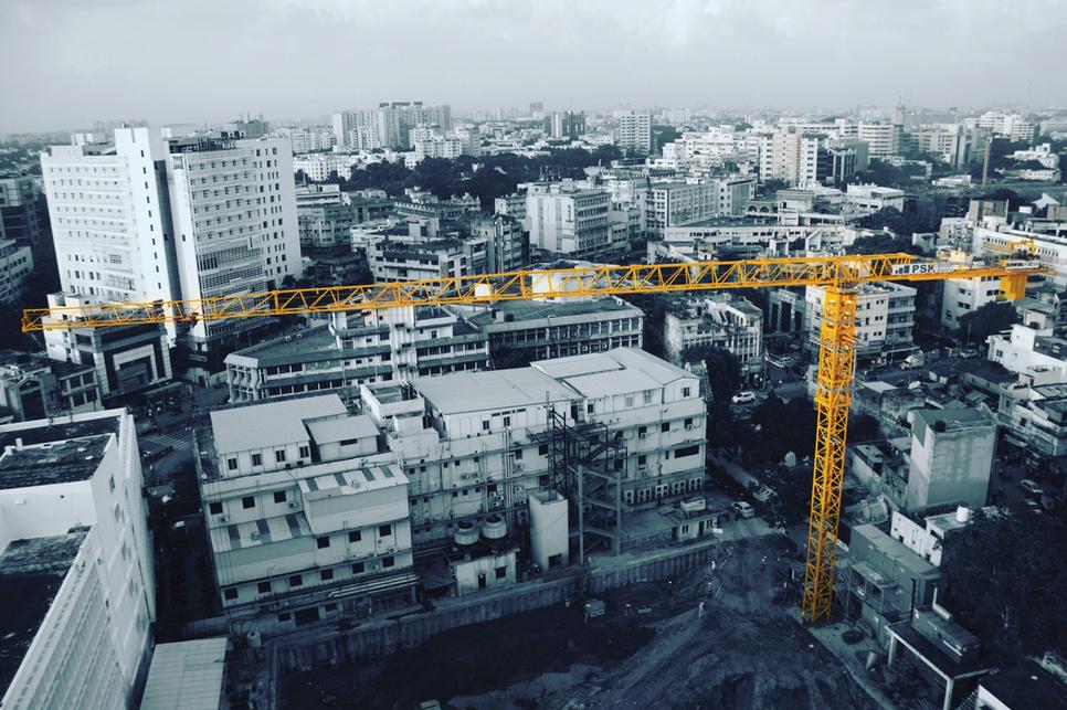 Cranes, Crawler cranes, Tower cranes, Truck cranes, Prashant Suryawanshi, Manitowoc, VG Sakthikumar, Schwing Stetter India, Anil Bhatia, TIL