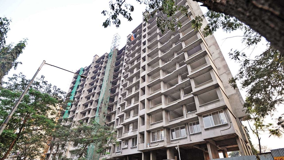 Real estate fund, Edelweiss Group, Property developers, Mumbai, National Capital Region, BCC Group, Ruparel Group, Naman Group, Spark Developers, Wadhwa Group, Structured debt deals, Internal rate of return