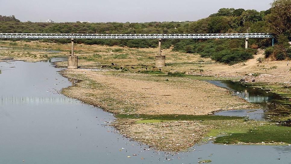 HCC, Dilip Buildcon, Bhadbhut barrage, Gujarat, Bharuch, Narmada, Narmada Water Resources, Water Supply and Kalpsar Department, Arjun Dhawan, Devendra Jain, Causeway-cum-weir barrage