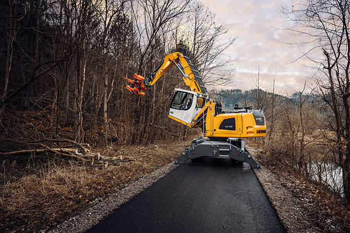 LIEBHERR, Tree care, Timber industry, LH 22 to 35 Industry Litronic material handlers, Westtech telescopic stage T 4000, Woodcracker CS510 crane